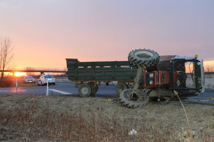 prevrtanje traktor