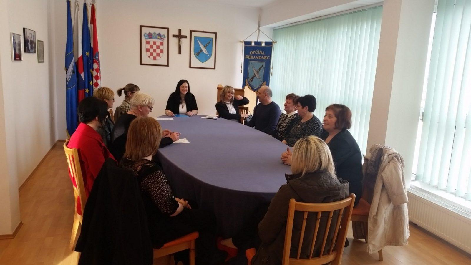 Žene u politici i društvu Dekanovec