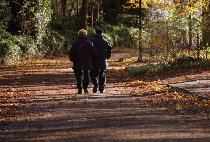 Stari ljudi umirovljenici