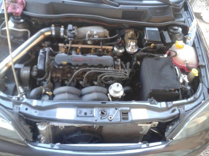 auto mehaničar