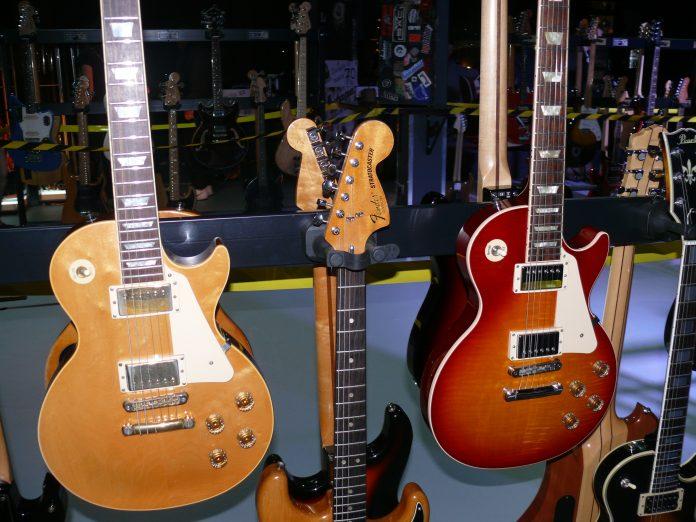 izloba vintage gitara
