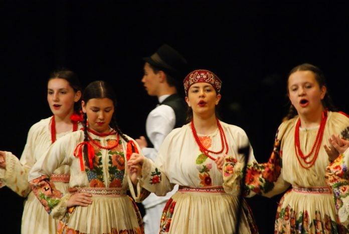 smotra koreografiranog folklora