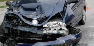 Prometna nesreća udaren prvi kraj auta