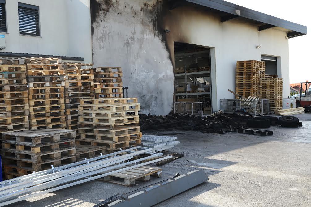 Požar u dvorištu tvrtke u Pribislavcu