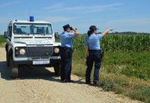 Policija obilazak polja
