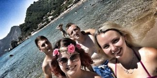 Magdalena Grkavac: Naša ljetna priča započela je na prekrasnom grčkom otoku. Fenomenalna ekipa, fenomenalno okruženje. Definitivno najbolje ljeto do sad!