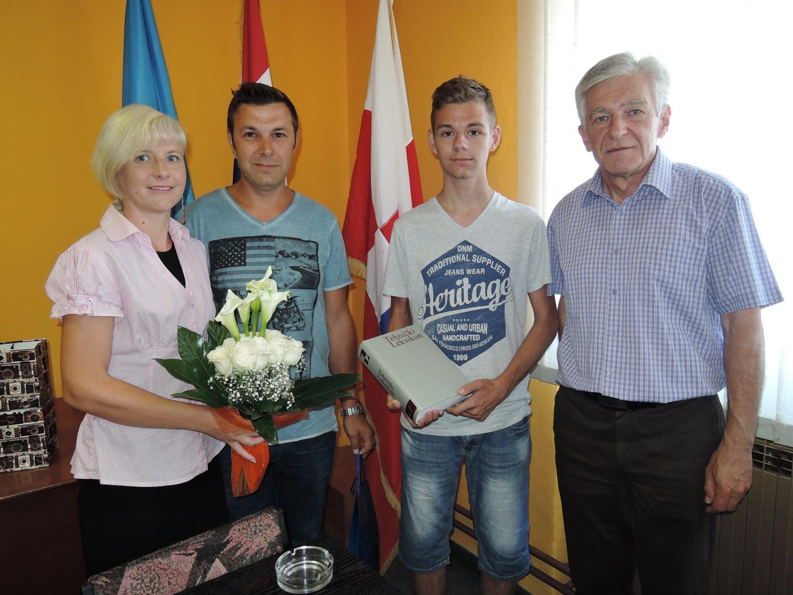 Mihael Pristav je već s 15 godina osvojio brončanu medalju na natjecanju  mladih prirodoslovaca u Kini 7f868d7f09