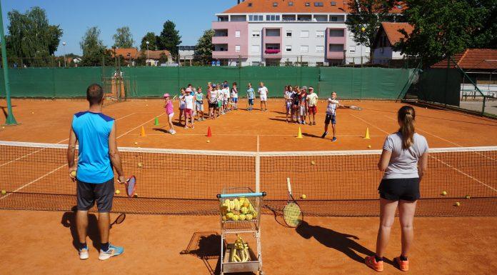 kamp tenis