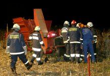Mala Subotica kombajn za kukuruz uhvatio ruku