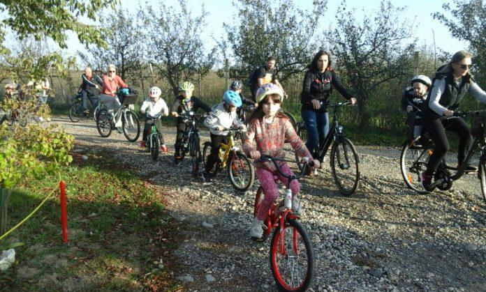 Jesenska biciklijada Dječjeg vrtića Maslačak