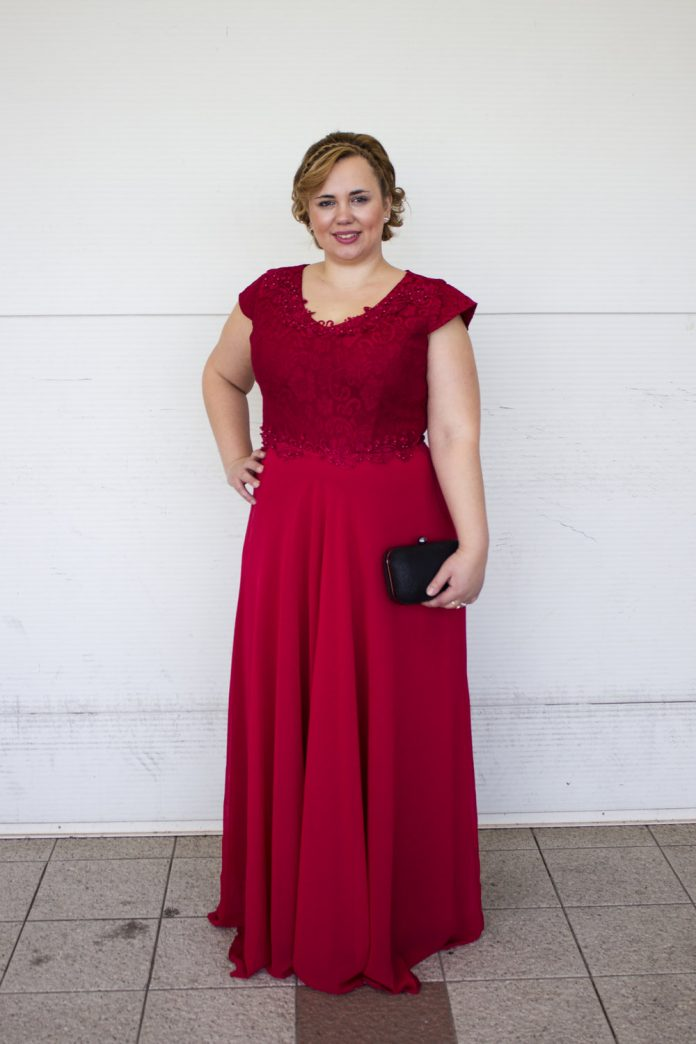 Duga crvena haljina 1399,00kn
