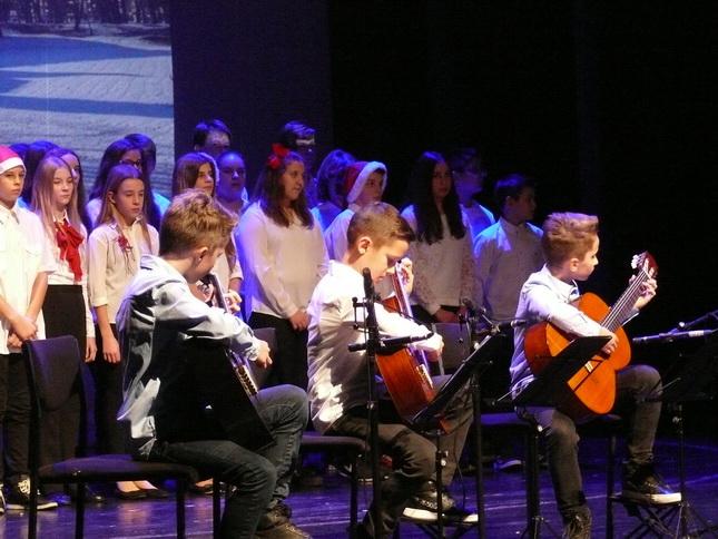Božićni koncert UŠ Miroslav Magdalenić Čakovec (1)