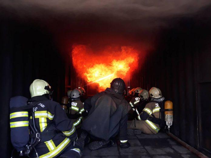 instruktori simuliranja plamenih udara