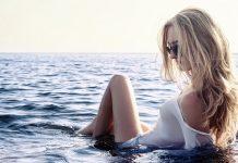 plavuša žena atraktivna more