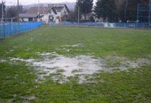 Nogometni teren voda kiša