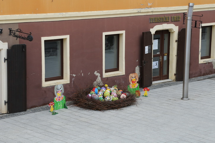 Uskrsna dekoracija TZGČ (1)