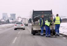 rupa na cesti krpanje cestari
