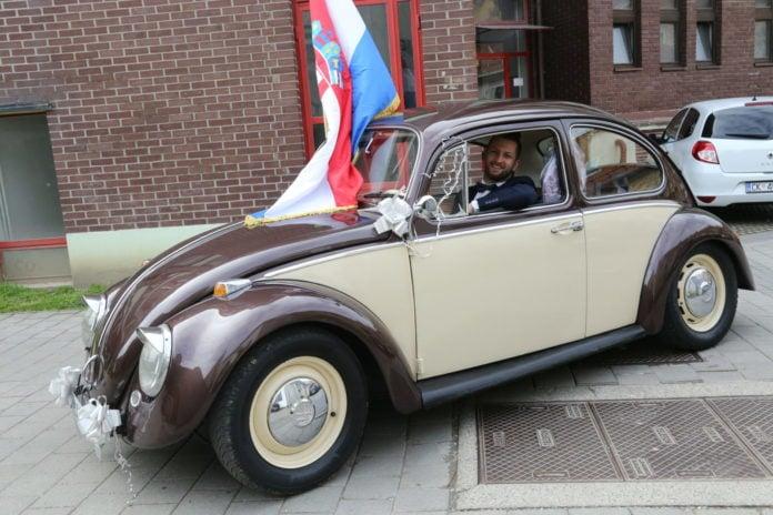 Goran Čanadi u svojoj VW Bubi iz 1966. godine