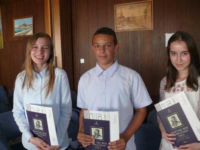 Učenici autori pohvaljenih radova