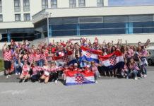 Vjerni navijači spremni za doček nogometaša u Zagrebu