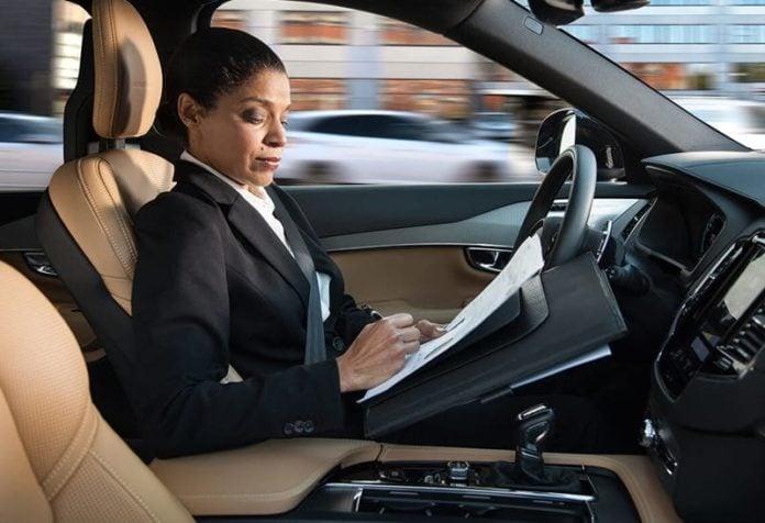 autonmno vozilo auto bez vozača