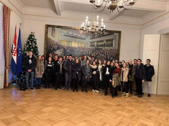 Gimnazijalci u Hrvatskom saboru