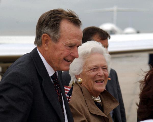 George H. W. Bush i supruga Barbara