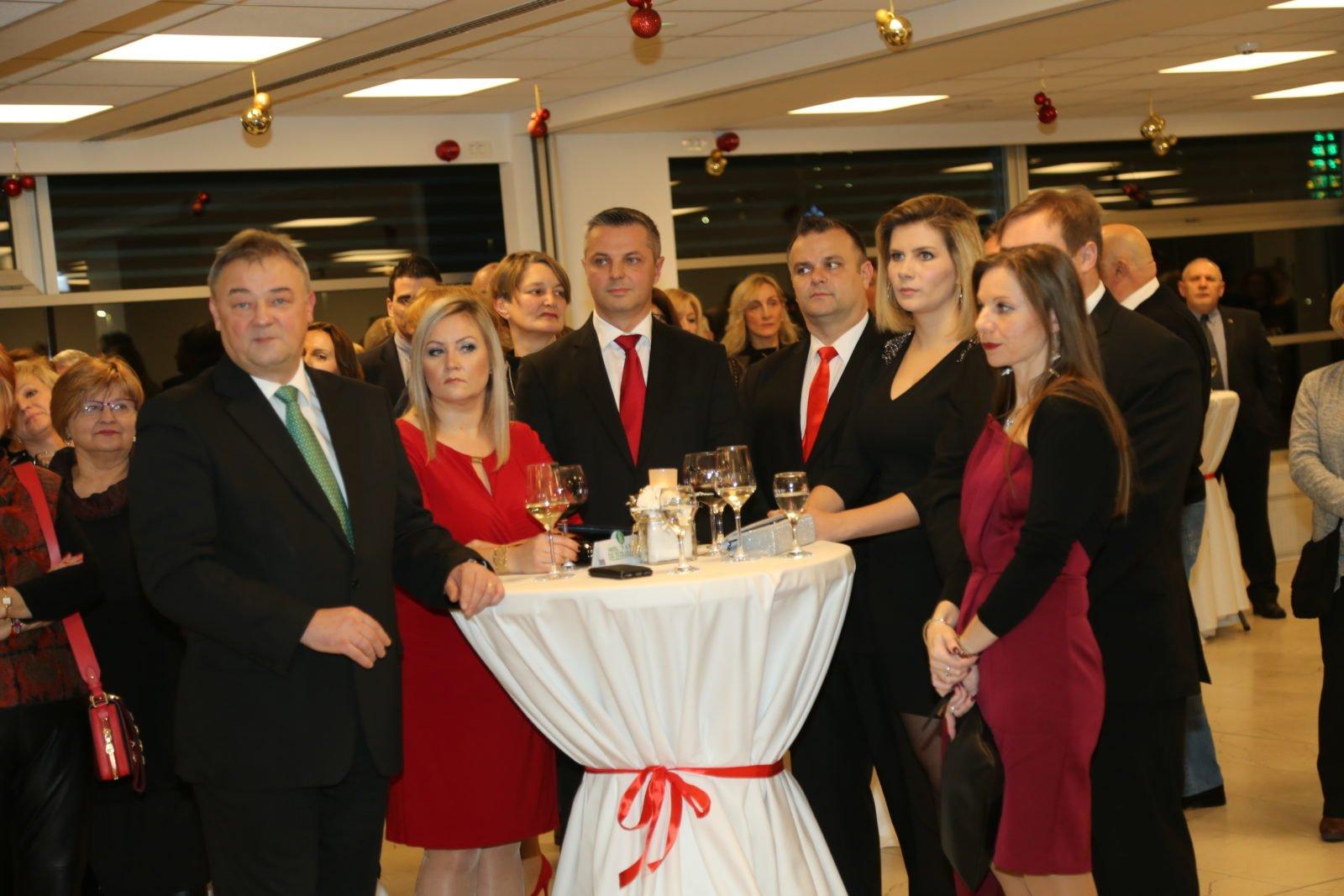 FOTO: Župan Posavec na blagdanskom prijamu gradonačelnika Kovača: Poboljšali odnose, zbog viših interesa!?