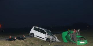 U zelenom automobilu KŽ registracija koji je sletio sa ceste i prevrnuo se smrtno su stradala dva mladića