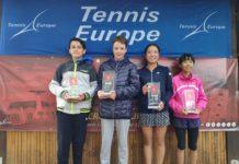 tenisači