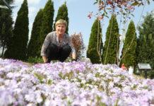 Danijela Vadlja na vrtu u Mihovljanu