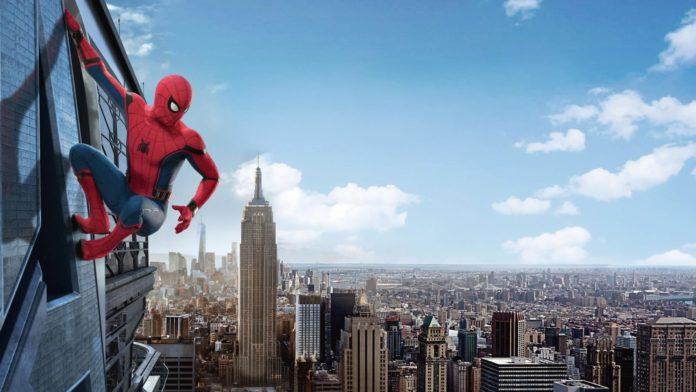 Nakon događaja s Osvetnicima Peter Parker s prijateljima odlazi na ljetni odmor u Europu. No mirni odmor im prekida opasni Mysterio.