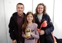 Obitelj Bogdan, Dražen i Jelena sa kćeri Emom