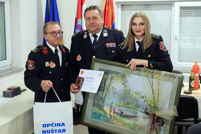 Ivan Čeple predsjednik DVD-a Nuštar, Zlatko Orsag i Ivana Mihaljević Farbaš