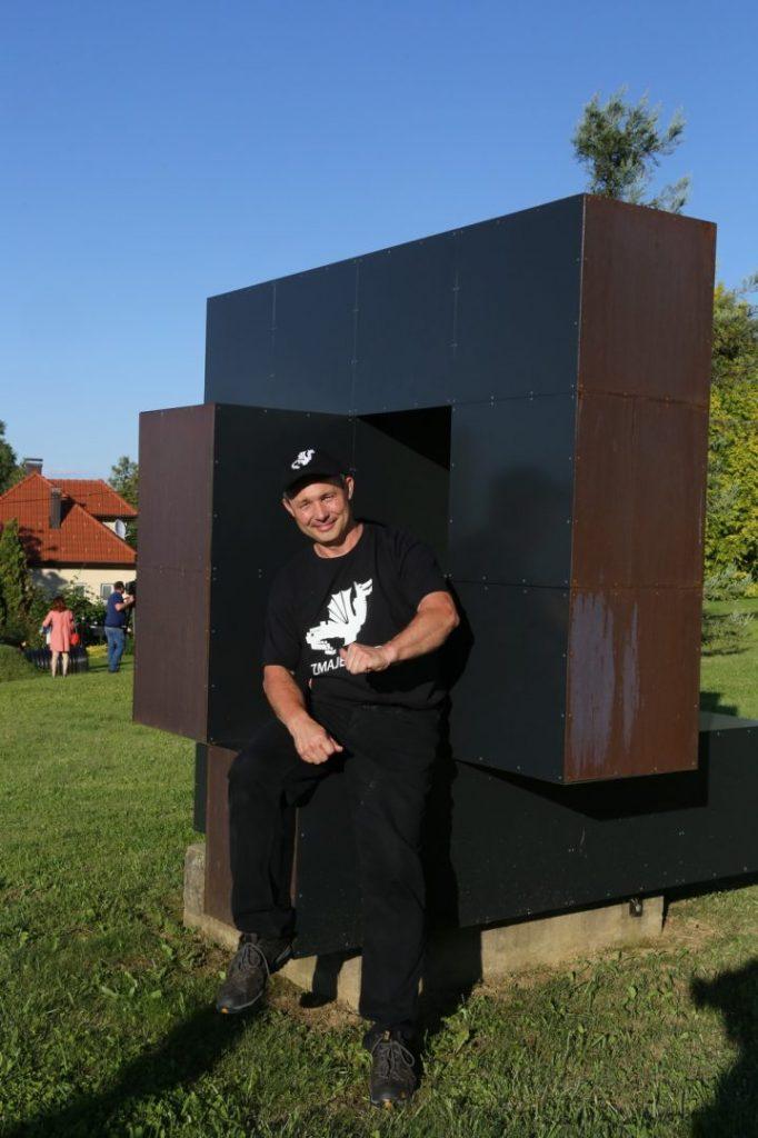 Koncert u Zmajevom vrtu obitelji Valkaj