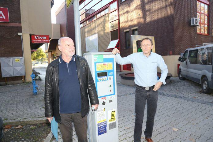 Poduzetnicima Franji Vlahu i Robertu Hajdaroviću u peticiji za ukidanje naplate parkinga nakon 15 sati i subotom pridružili su se brojni obrtnici, poduzetnici i ugostitelji koji rade u centru Čakovca