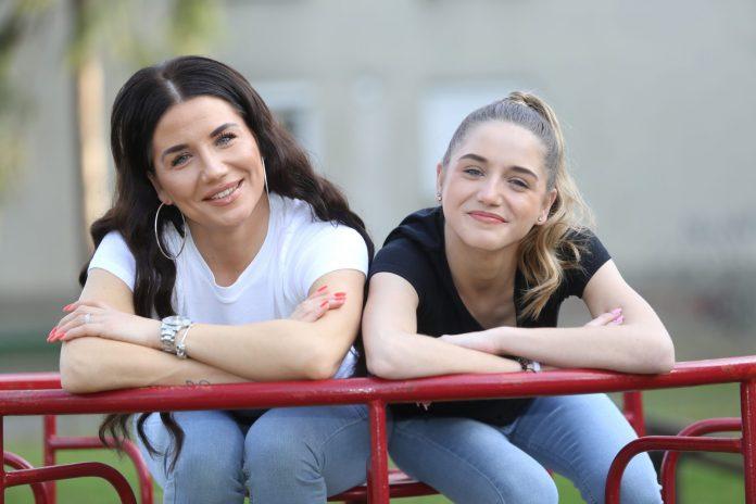 Sanja Marčec (33) i njezina kćerka Emili kojoj je danas 17 godina, foto: Zlatko Vrzan