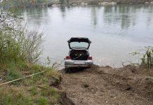 autom u rijeku