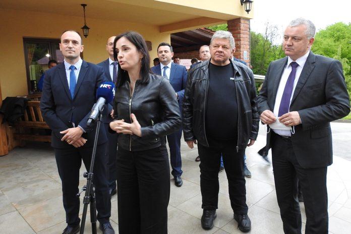 Ministrica Marija Vučković kod međimurskih vinara