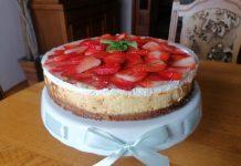 torta od sira i jagoda